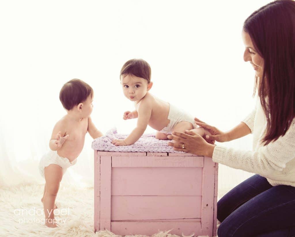 צילום תינוקות תאומות בסטודיו - אנדה יואל